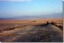 Poco a poco se desvanecía el asfalto.
