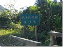 Este cartel me llenó de falsas esperanzas. El departamente de La Paz es enorme. Me faltaba muchísimo todavía.