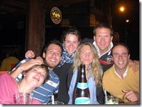 El grupete principal: Bathilde, Luis, Angela, Nina, Diego y Sabino