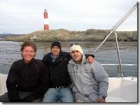Junto a Fernando y Diego, el maestro parrillero.