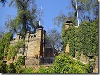La entrada al castillo en el cerro: CERRADA