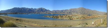El hermoso lago en Potrerillos